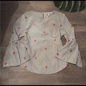 🌷 Adorable stripe embroidered floral blouse top L